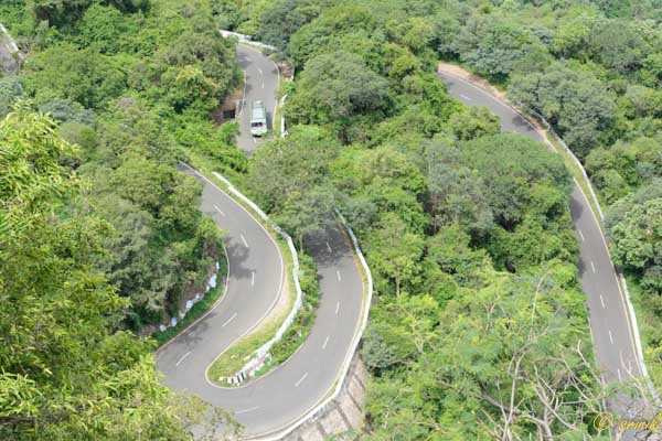 Hairpin Bends after Parambikulam Tiger Reserve - Valparai